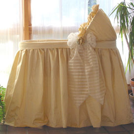 Carter S Screened Travel Bassinet Delta Bassinet Covers