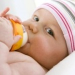 How Much Milk Should a Newborn Drink?