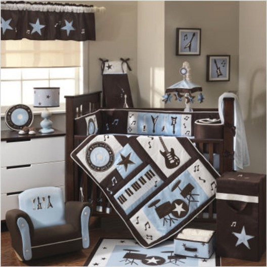 Theme decoration for a baby boy room