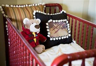 modern-nursery-bedding