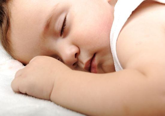 tips and methods to wake up your sleepy baby