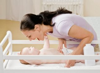 Six tips for diaper changing