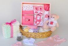 6 Things You Can Gift a Newborn